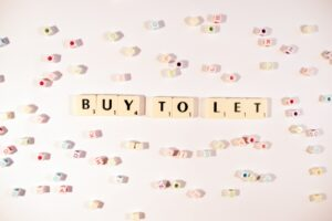 letters spelling out buy to let